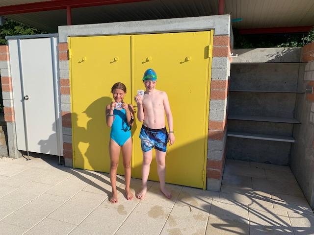 Laura, 9 Jahre, und Paul,12, haben heute Gold geschafft.  Gratulation!